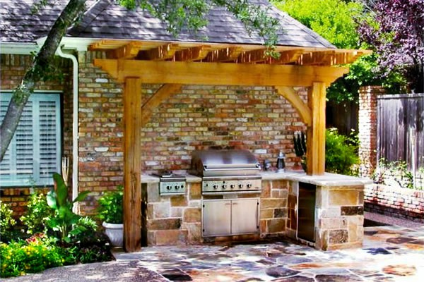 backyard-kitchen